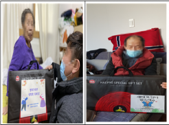 좌) 시각장애인 어르신이 설명절선물을 받고 있는 사진 우) 시각장애인 어르신이 설명절선물을 받고 있는 사진